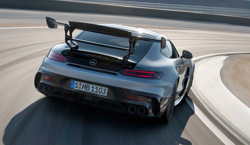 نمای عقب مرسدس AMG GT بلک سریز